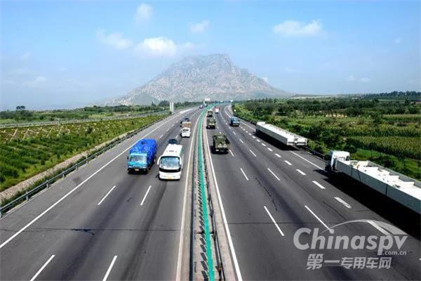 京哈高速哈尔滨至长春段封闭施工
