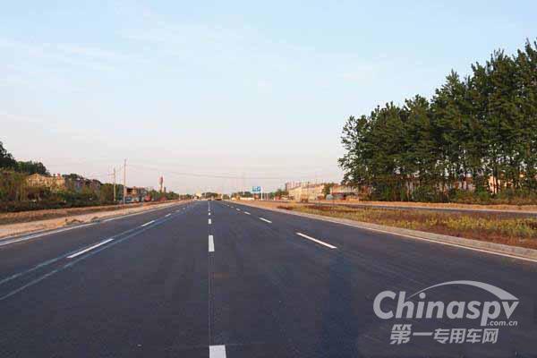 江西:G105国道江西信丰绕城公路主体工程完工