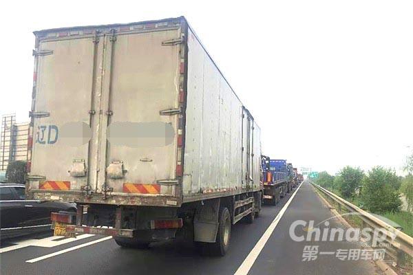 """江西南昌:已全面启动""""不停车检测系统""""治理超载货车"""